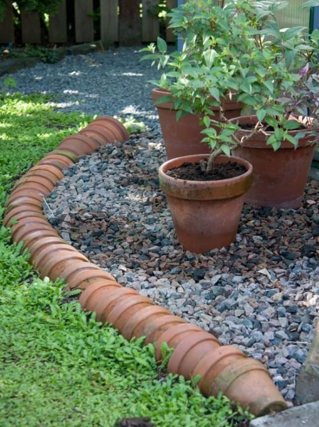 Stacked Plant Pot Edging Ideas